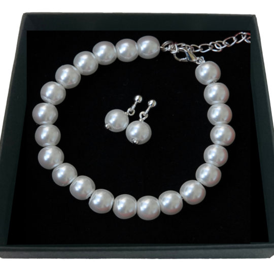 Set of earrings and bracelet White pearls-silver