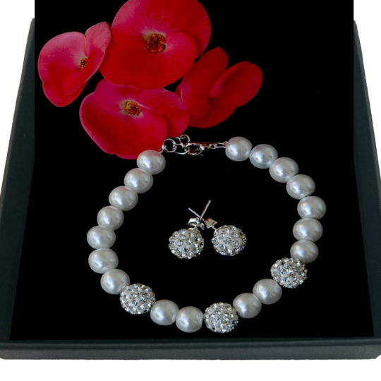 Set of earrings and bracelet White pearls-zircons