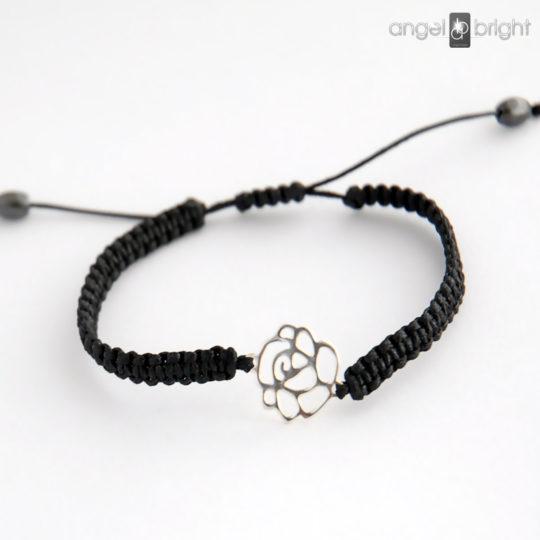 Schwarzer Armband — Silberne Blume