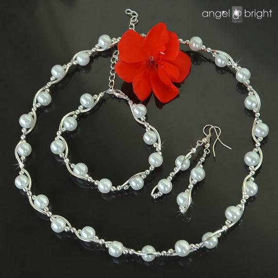 Geflochtenes Schmuckset — Weiße Perlen — Versilbert
