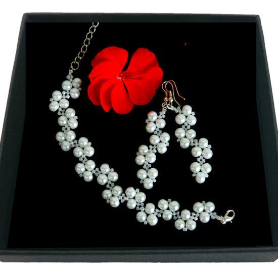 Conjunto Perlas Blancas Pulsera y Pendientes - Plateado