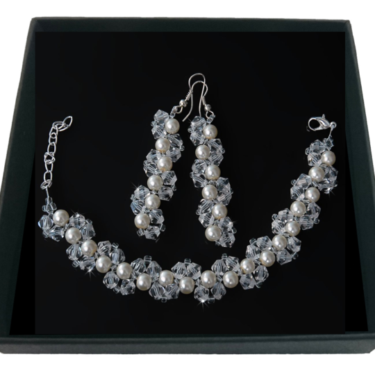 Set of White Pearls and Crystals – bracelet and earrings – Silver Plated