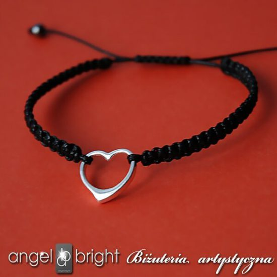Armband mit Herzanhänger — Schwarz/Silbern