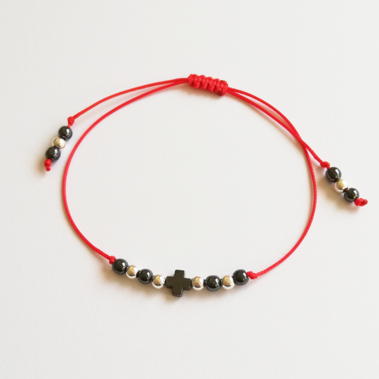 "Armband ""FOR LUCK"" — Rote Kordel/Silberne Herzen"